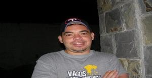 W_ccarlos 41 years old I am from Caracas/Distrito Capital, Seeking Dating Friendship with Woman