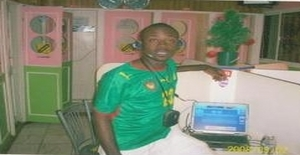 Pasdes 33 years old I am from Johannesburg/Gauteng, Seeking Dating Friendship with Woman