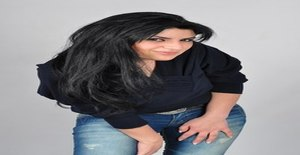 Tatevik 32 years old I am from Bro/Stockholm County, Seeking Dating Friendship with Man