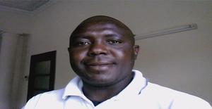 Louryno 35 years old I am from Maputo/Maputo, Seeking Dating Friendship with Woman