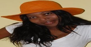 Gatinha** 35 years old I am from Maputo/Maputo, Seeking Dating Friendship with Man