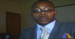 Eleuterio 35 years old I am from Maputo/Maputo, Seeking Dating Friendship with Woman